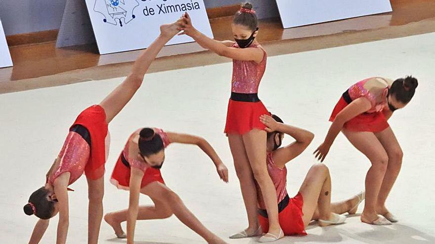 La gimnasia rítmica gallega se cita este sábado en el Pabellón de Os Remedios