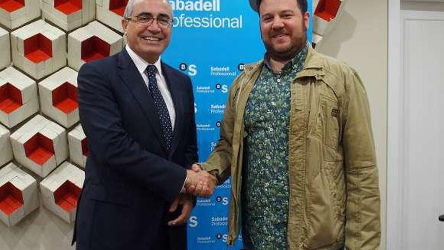 Sabadell ofrece productos ventajosos a los jóvenes empresarios coruñeses