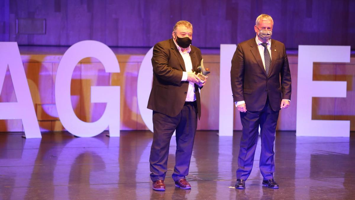 Laureano Gavín, presidente de la Asociación Cívitas Las Fuentes e Ignacio Navarro, subdirector general y director de la Zona Norte del Banco Sabadell