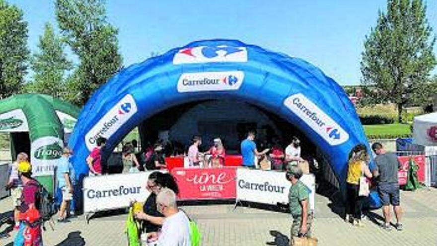 Carrefour celebra con los murcianos la llegada de la vuelta ciclista a España 2021
