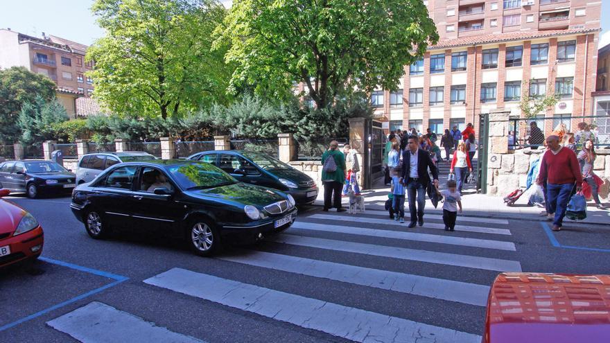 Los zamoranos apuestan por cerrar al tráfico el entorno del colegio Arias Gonzalo
