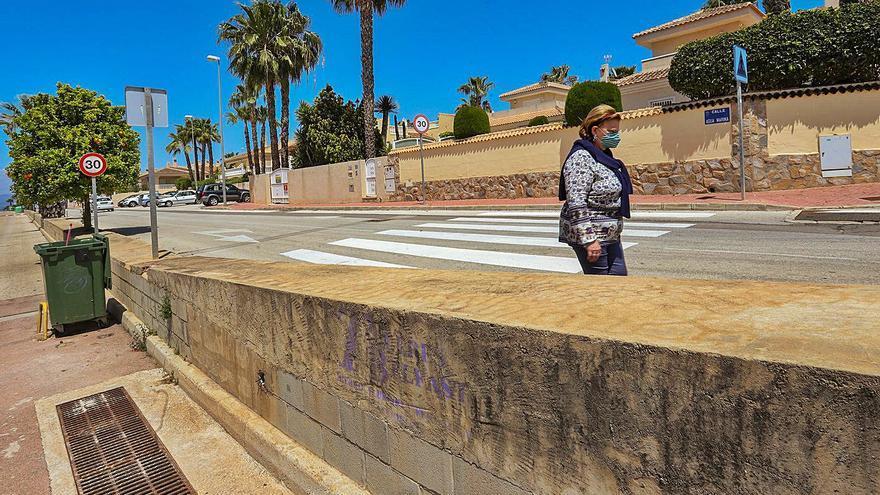 Rojales y Benijófar: Dos pueblos, una avenida y un muro
