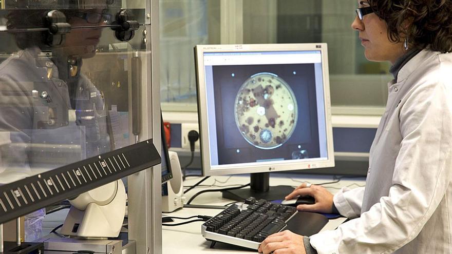 PharmaMar lanza un test PCR que permite diferenciar el Covid-19 de la gripe