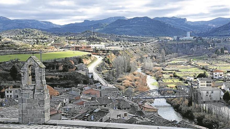 El castillo que se salvó gracias al río
