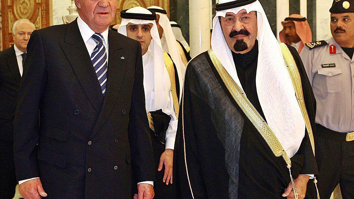 Juan Carlos I, con el Rey de Arabia Saudi, Abdullah Bin Abdulaziz Al-Saud, en una visita a Riad en 2006.
