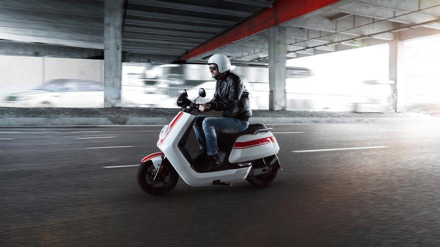 Niu lidera las ventas de eScooters en abril de 2021 en España