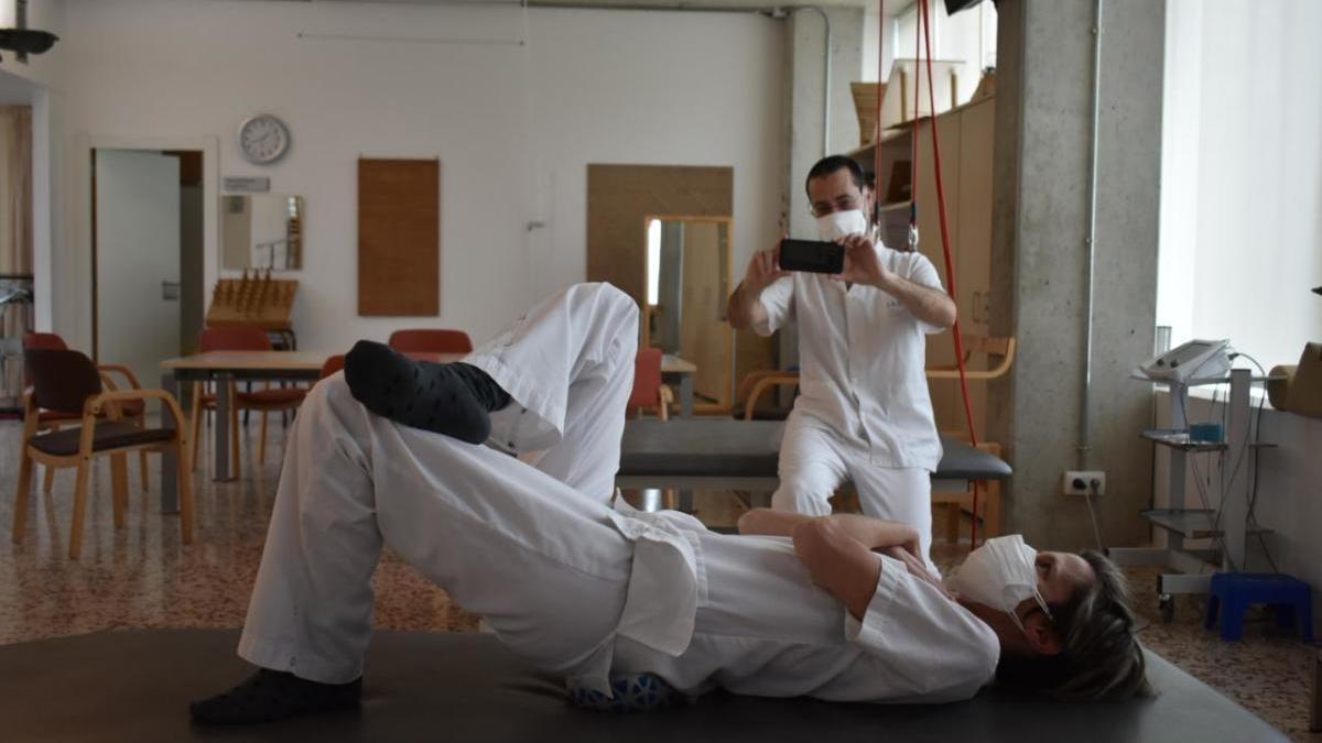 Una sessió de fisioteràpia