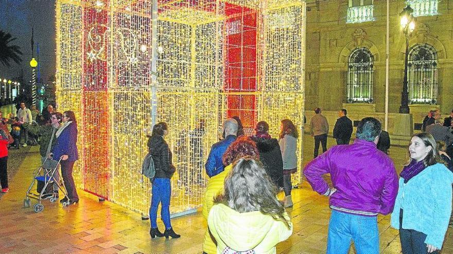 El Ayuntamiento invertirá 266.000 euros en las luces de Navidad