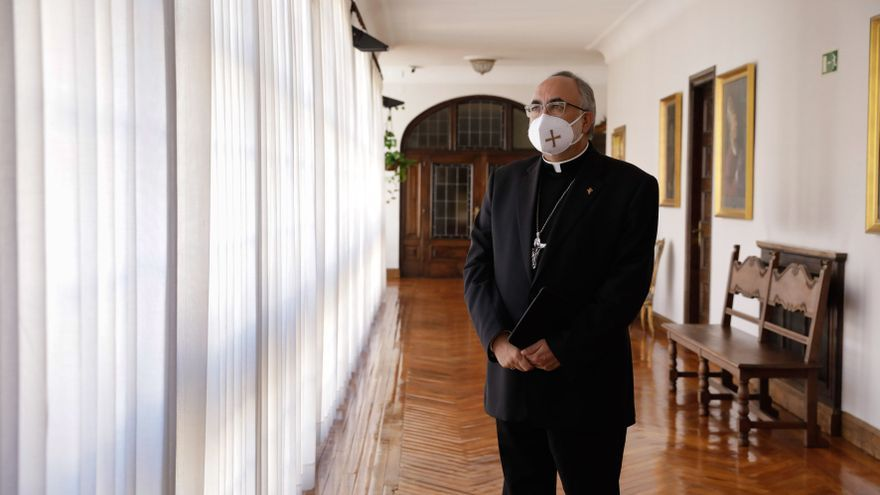"""El Arzobispo expresa """"la solidaridad"""" de la Iglesia asturiana con los autónomos encerrados en templos de Avilés y La Felguera"""
