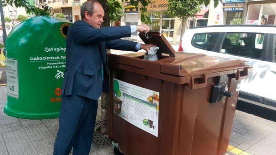 Santa Cruz reparte 273 contenedores marrones para residuos orgánicos
