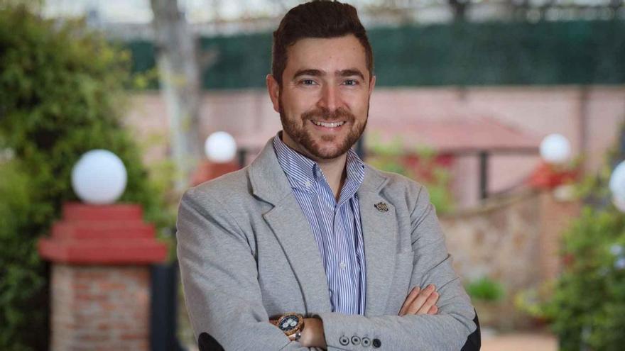 """Eduardo Aranda: """"Tienen que incluir a los podólogos en las estrategias de vacunación"""""""