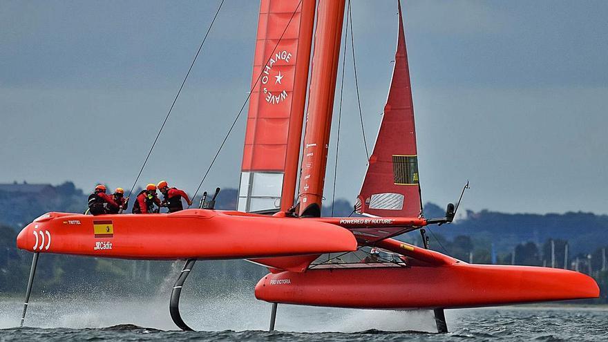 Cardona y Barber buscan el liderato del Circuito de SailGP