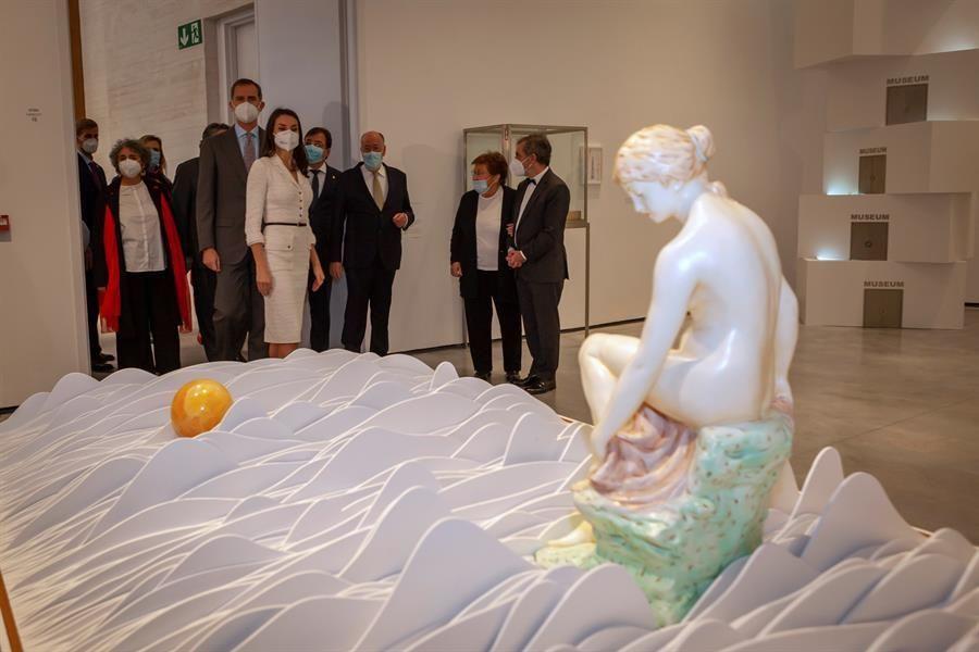 La visita inaugural de los Reyes al Helga de Alvear, en imágenes
