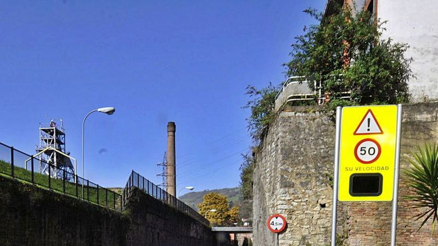 Freno a las carreras ilegales en Mieres: un radar municipal controlará la velocidad