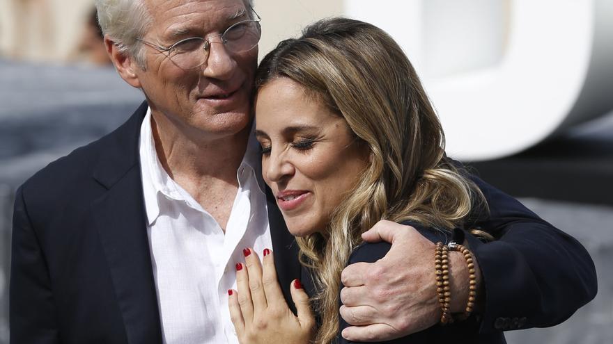Richard Gere y su mujer Alejandra Silva, de vacaciones en Galicia