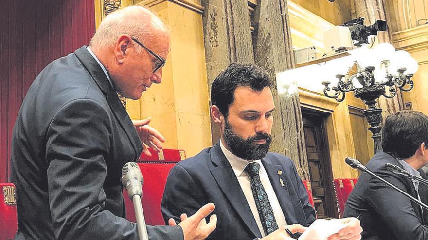 ERC blinda el secretari general del Parlament i deixa sol JxCat en l'intent de destituir-lo