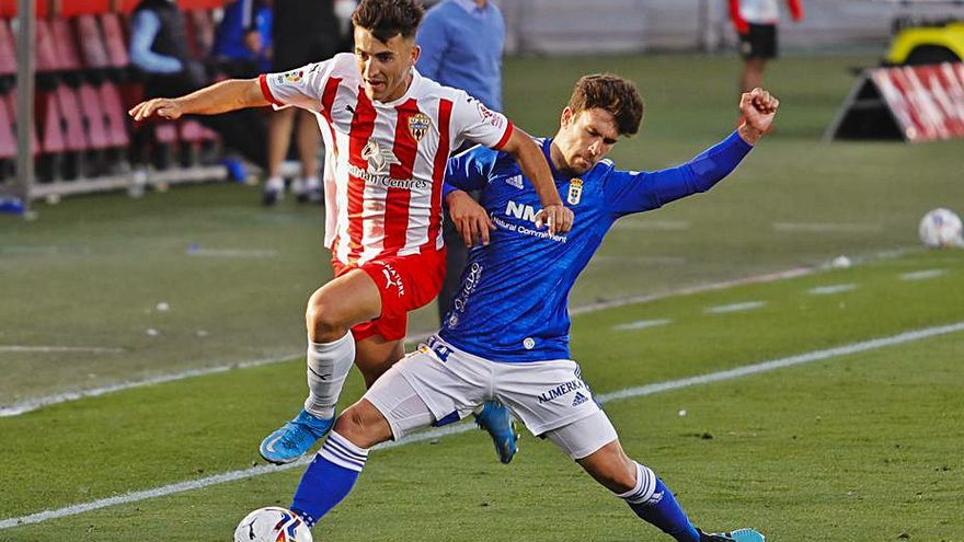 El Oviedo busca pareja para Jimmy de cara al partido de mañana ante el Málaga