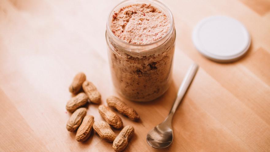 ¿Engorda la crema de cacahuete? Mitos y verdades de este alimento de moda