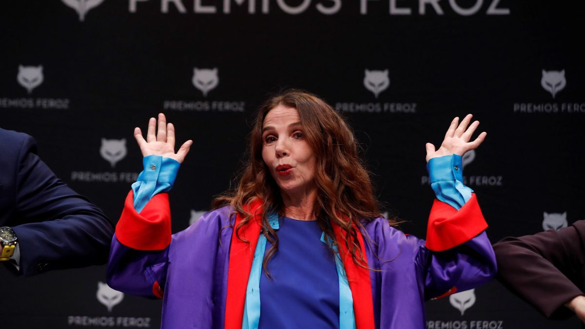 Actress Victoria Abril poses for reporters during the press conference called for the award to the actress of the Feroz de Honor 2021