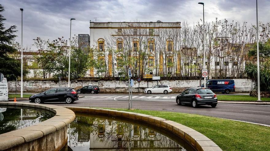 El ayuntamiento proyecta un parking subterráneo en la explanada del Palacio de Godoy