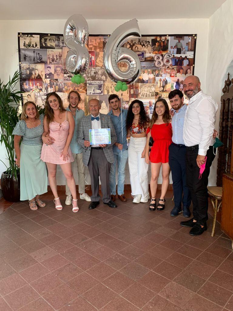 Cumpleaños de Ramón Reguero junto a sus familiares.