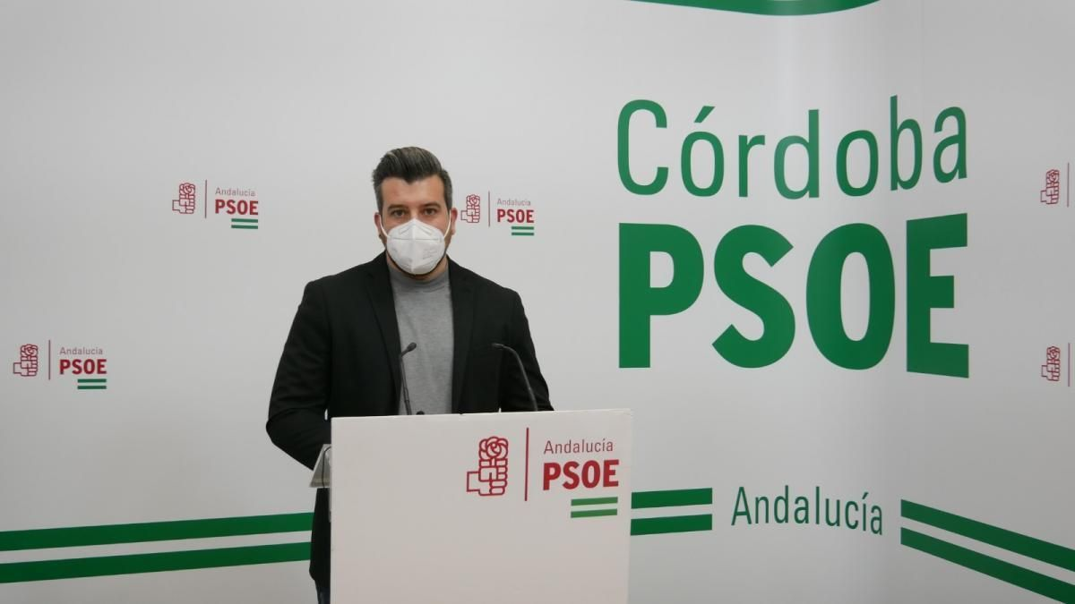 El PSOE critica que la Consejería de Educación pretenda eliminar unidades y cerrar centros públicos