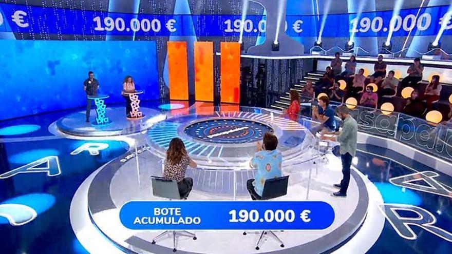 """El público acusa de """"tongo"""" a Pasapalabra para beneficiar a su nueva concursante: """"Le ponen unos roscos de Primaria"""""""