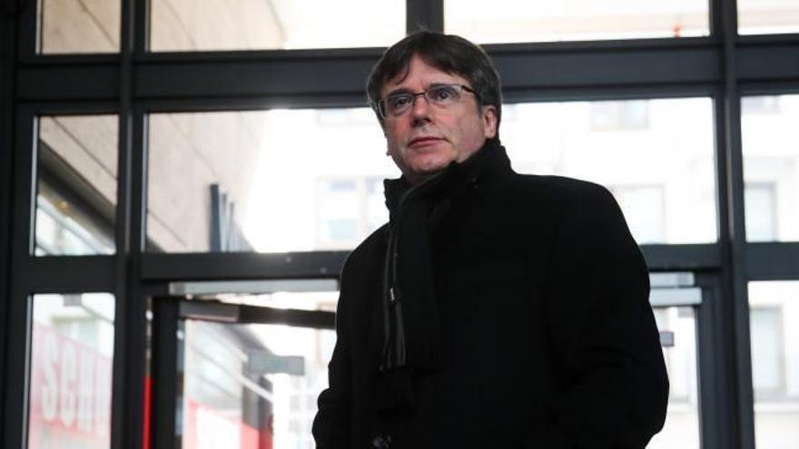 Puigdemont impone sus listas y liderará la europea