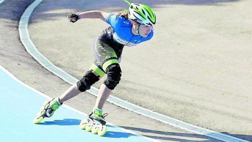 Lucía Alapont revalida el campeonato de patinaje