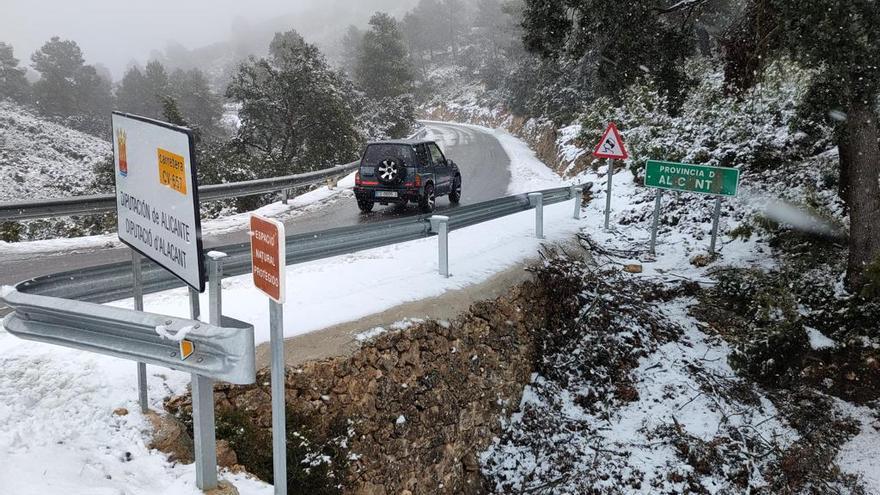 Temporal de nieve en Alicante: Así está la carretera de Beneixama a Fontanars