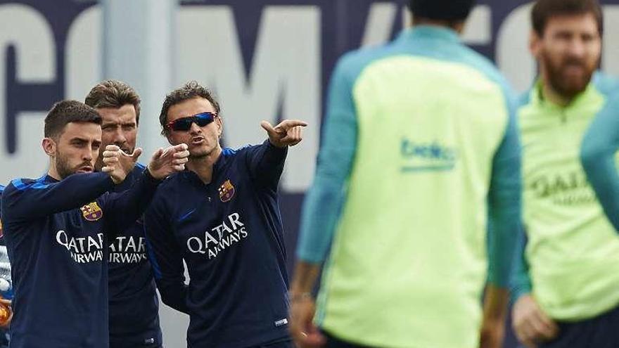 Al Barcelona le toca ganar y esperar ante el Villarreal