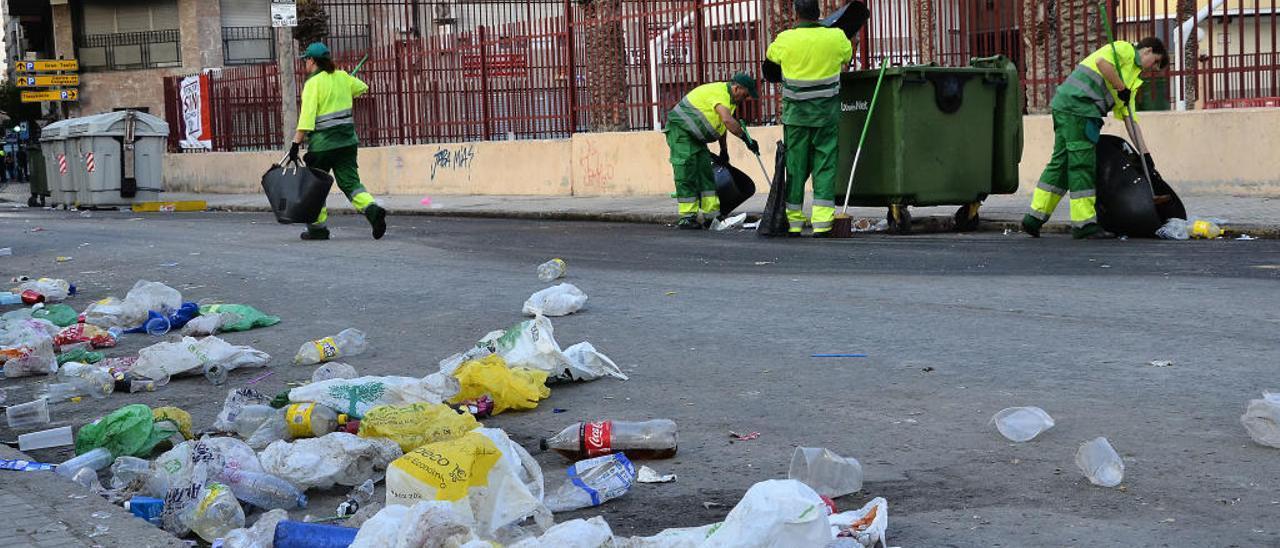 Suspenden cautelarmente el proceso iniciado para la nueva contrata de basuras