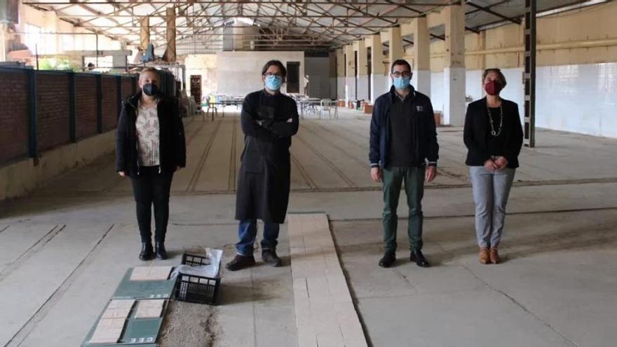 El alcalde, las edilas de Cultura y Educación y el director artístico comprobaron el desarrollo del proyecto