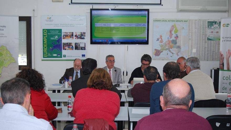 El GDR Subbética impulsa acciones de apoyo a los  pequeños comerciantes y productores de la comarca