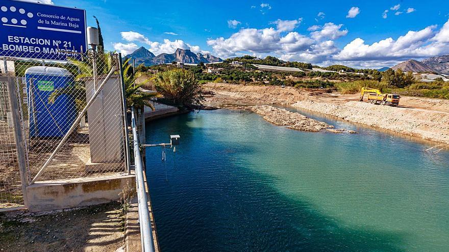 El Consorcio de la Marina Baixa draga una presa del río Algar para ganar capacidad
