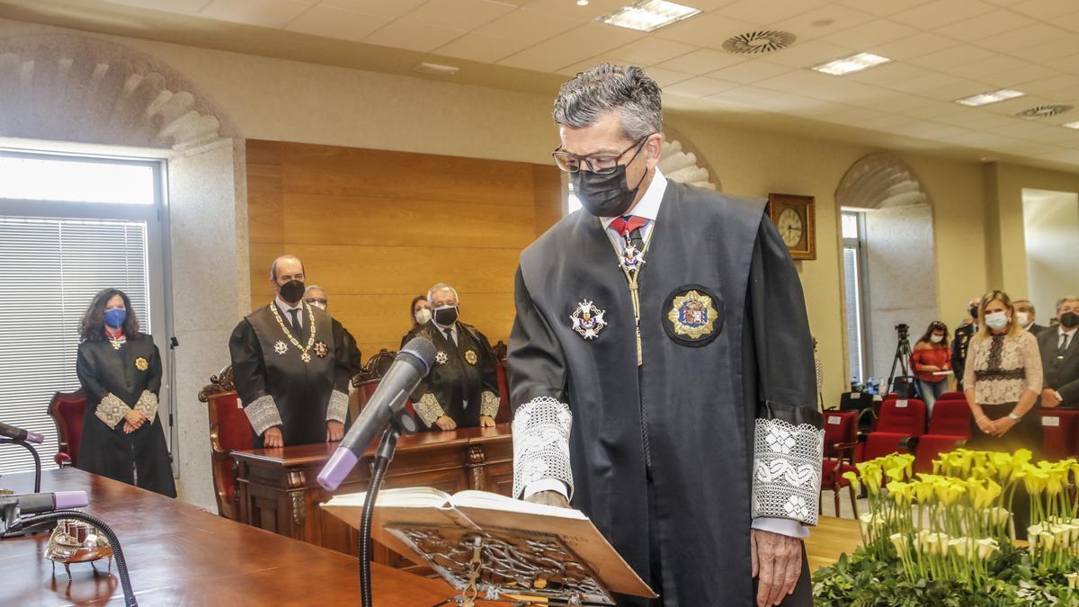 Toma de posesión del nuevo fiscal superior, Montero Juanes.