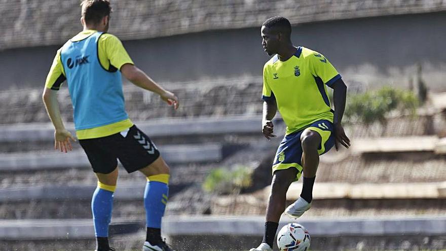El lateral Jonathan Silva, baja para la cita ante el Almería por la 'cláusula del miedo'