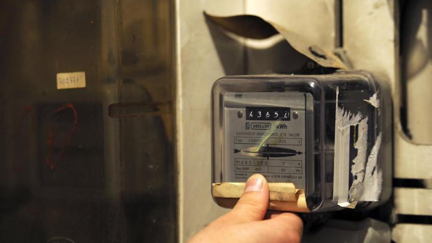 Condenan a Naturgy por conductas abusivas al facturar la electricidad con valores estimados