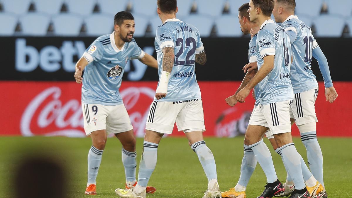 Nolito le agradece a Olaza el pase en el empate contra el Granada.