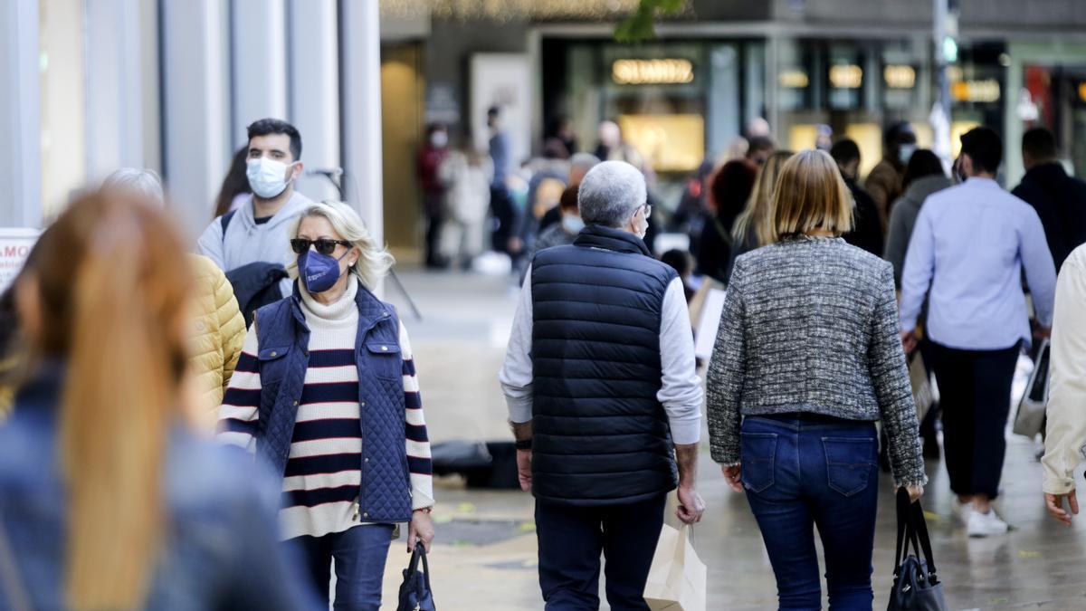 Personas de compras en València