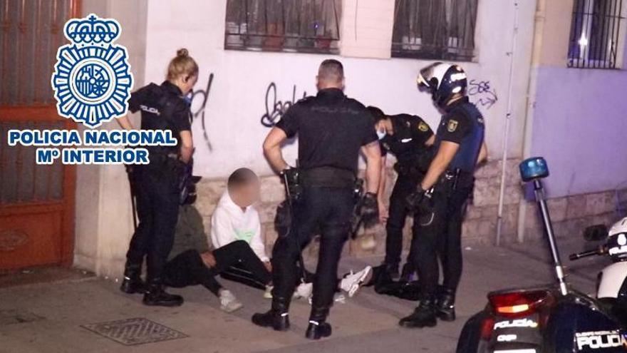 La Policía Nacional detiene a cinco personas por diferentes robos con violencia ocurridos el fin de semana en Alicante