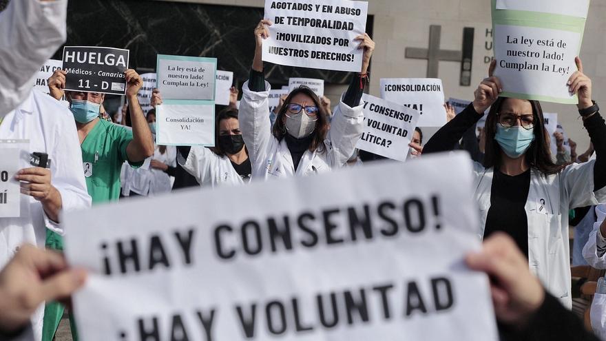 """Los médicos temporales canarios prorrogan la """"tregua"""" un mes"""
