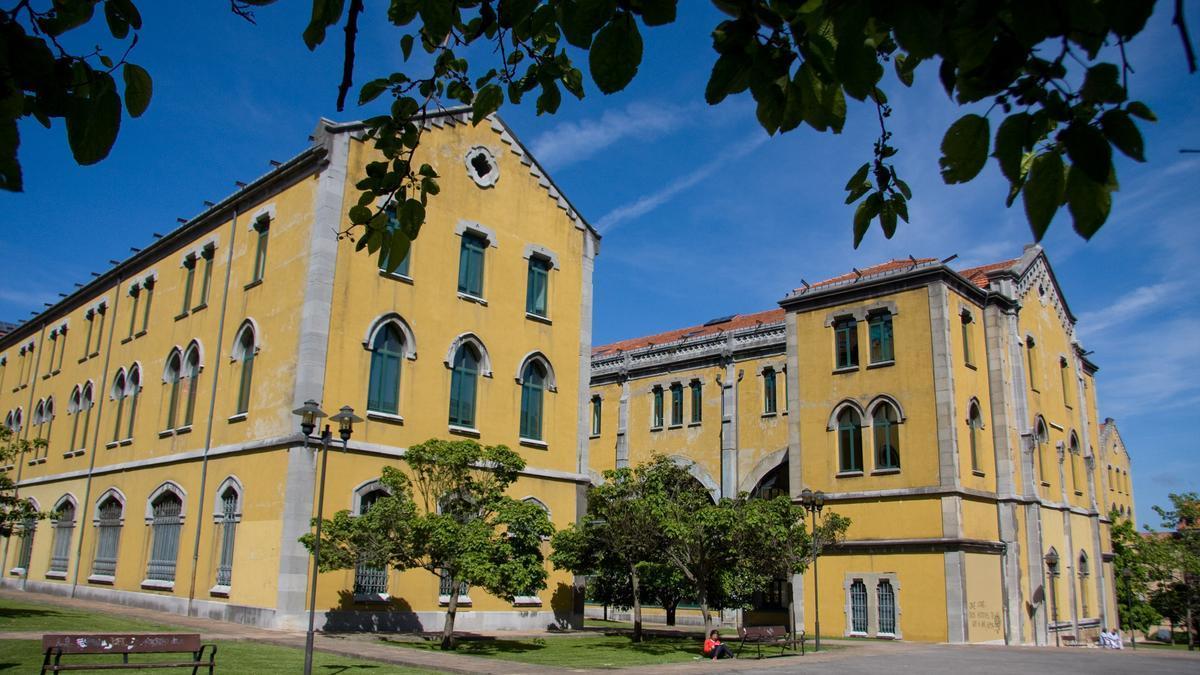Campus del Milán na Universidá d'Uviéu.