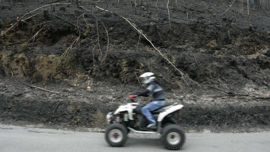 Piden prisión por provocar un incendio en Tineo con las chispas que saltaron de un quad en mal estado de conservación