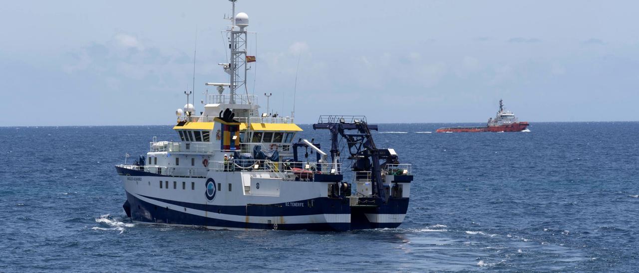 El barco 'Ángeles Alvariño'.