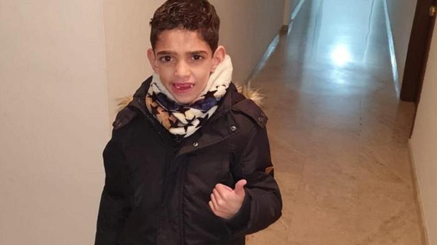 Intervienen con éxito al niño de Puente Genil Iker López tras 7 horas de quirófano