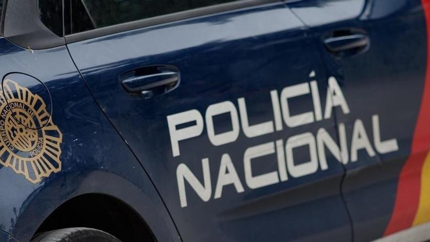 Detenido un hombre acusado de intentar matar a su pareja tras cortarle el cuello