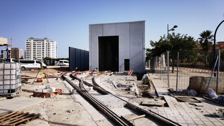 La L 10 del Metro, por donde bajaban los vinos de Turís y el carbón de Dos Aguas
