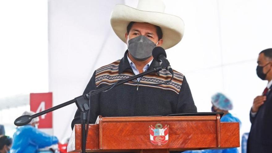 Pedro Castillo toma juramento a su nuevo Gabinete