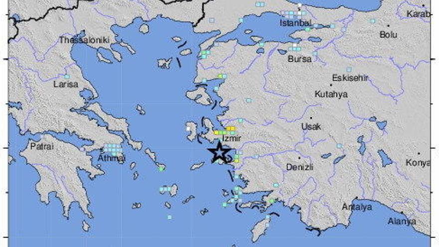 Un potente terremoto sacude Grecia y Turquía